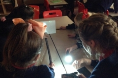 Investigating-light-and-shadows-changing-circuits-8